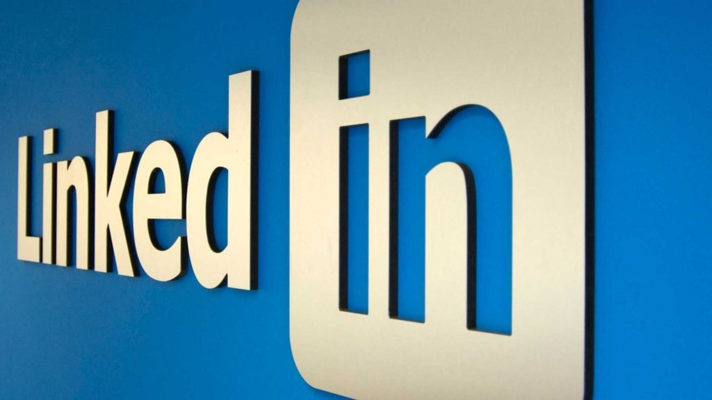 Linkedin - My Career Partners helps job applicants or career professionals home and perfect their Linkedin profiles. We help with setting up a Linkedin page and advise on how to use it.